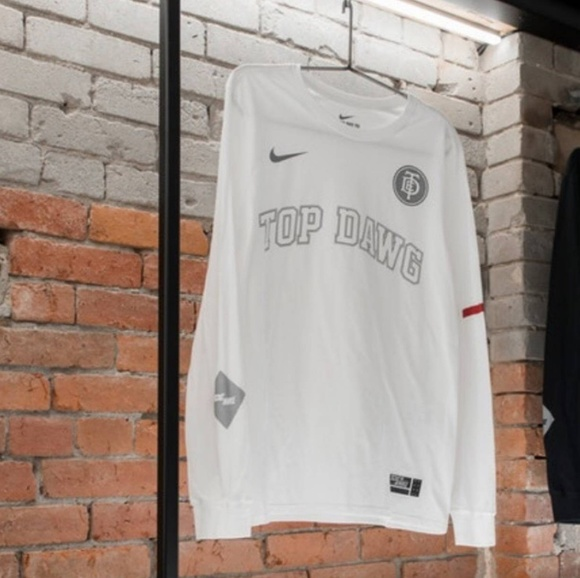 9f4747ba TDE x Nike long sleeve. M_5b006c7d9a945568ebf0ed96
